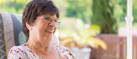 grandma-2198060_1920